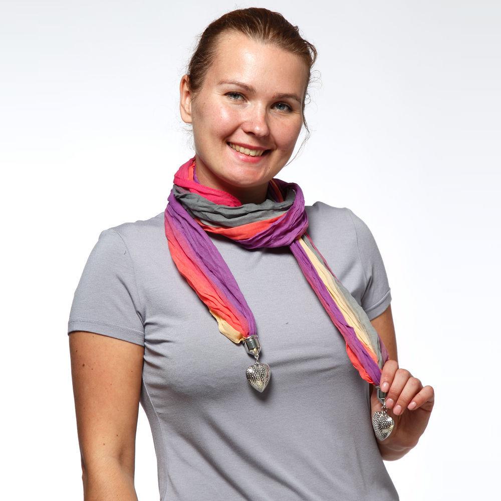 Шарф-ожерелье с подвесками в виде сердца