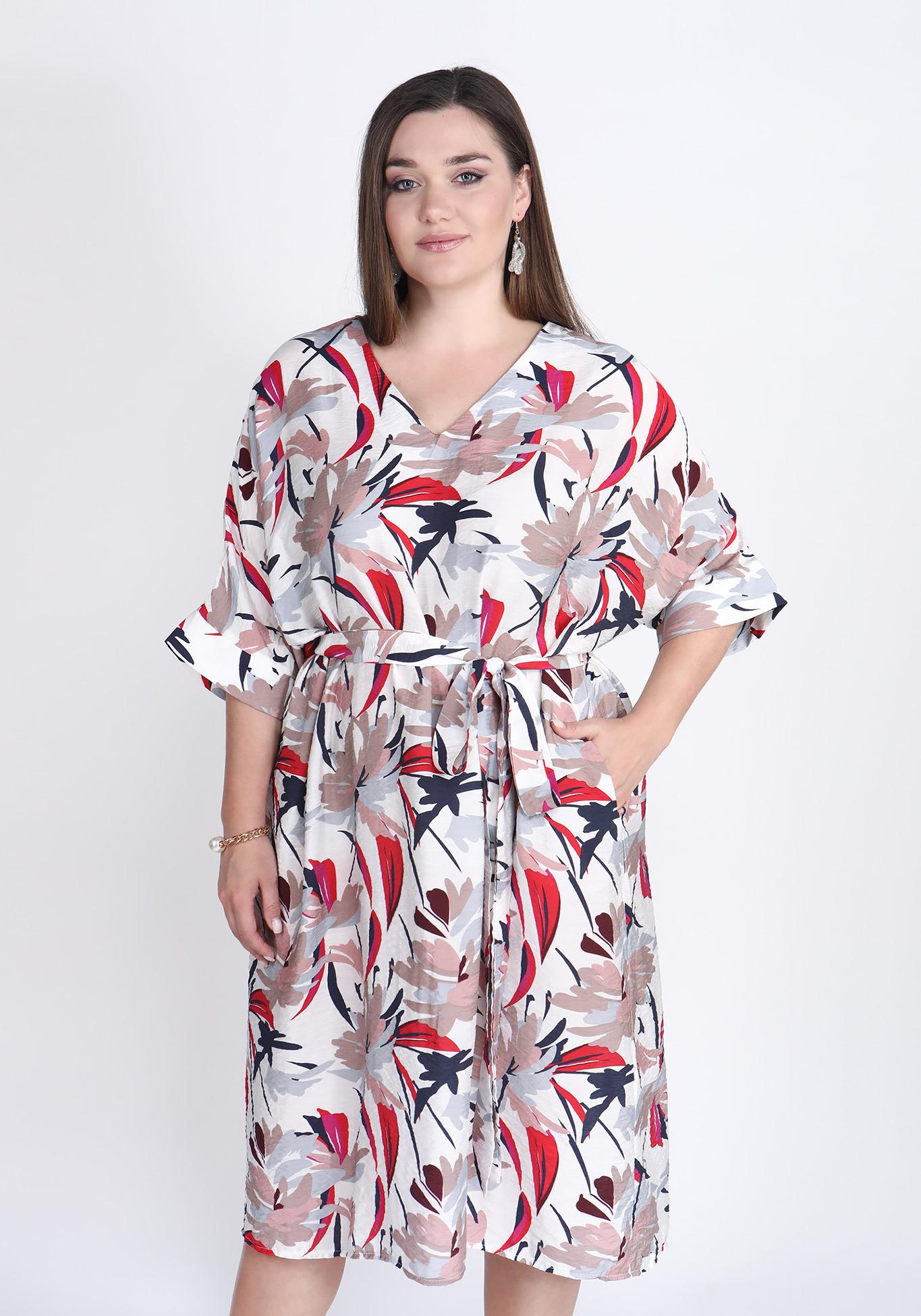 Платье с ярким принтом свободного силуэта
