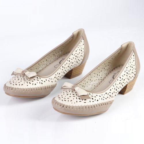 Женские туфли с элегантным бантиком и узорной перфорацией
