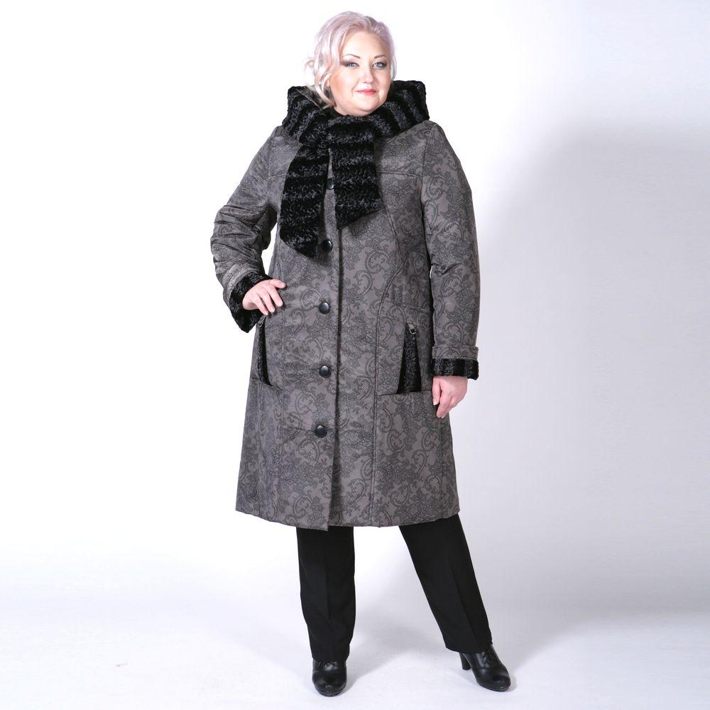 Пальто с оригинальным меховым капюшоном и принтом