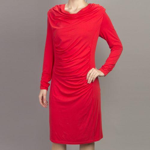 Яркое женственное платье свободного кроя