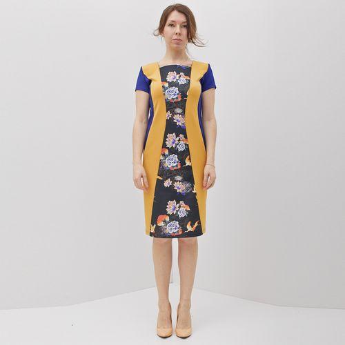Платье с цветочным принтом и боковыми вставками