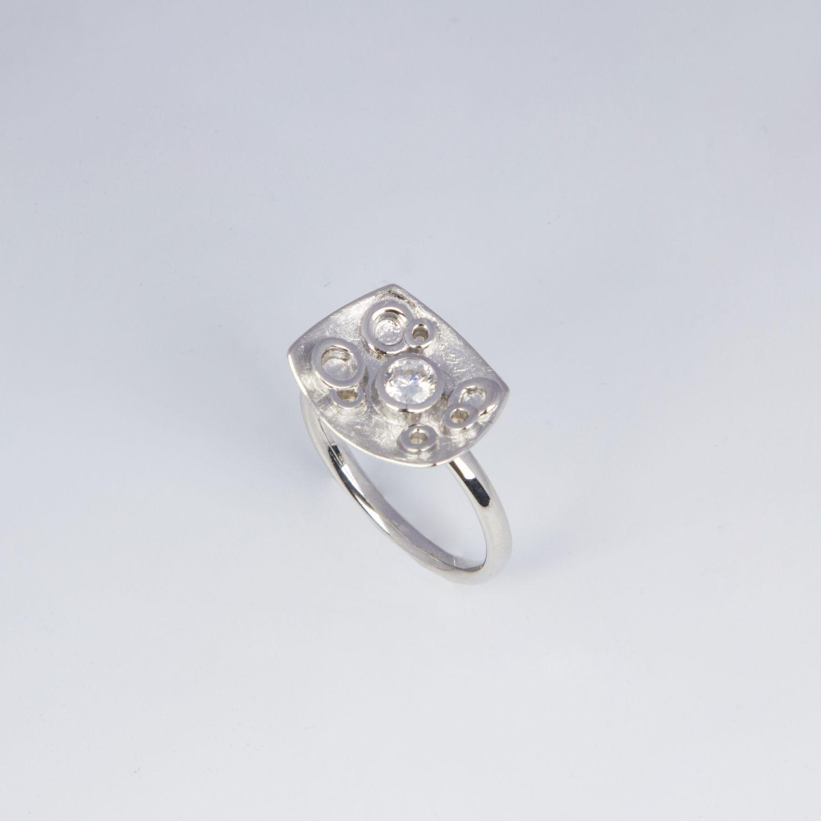 Кольцо «Белоснежный листок»