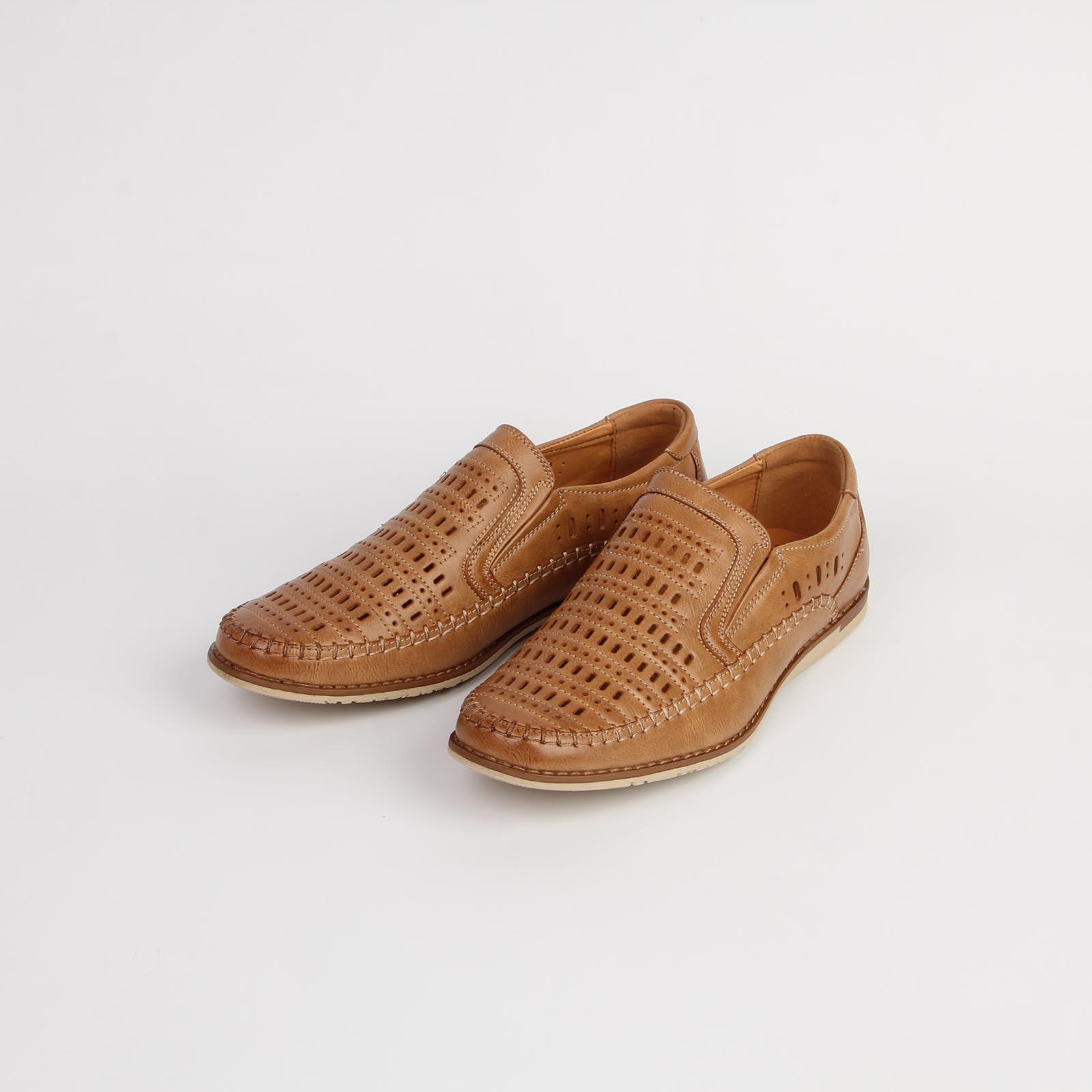 Туфли мужские летние украшенные строчкой и сквозной перфорацией
