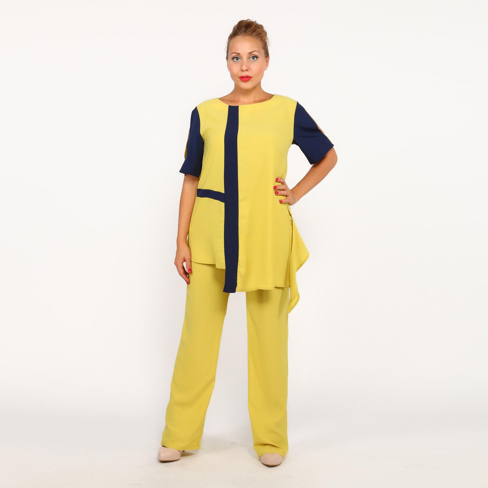 Костюм: блузка и брюки с карманами