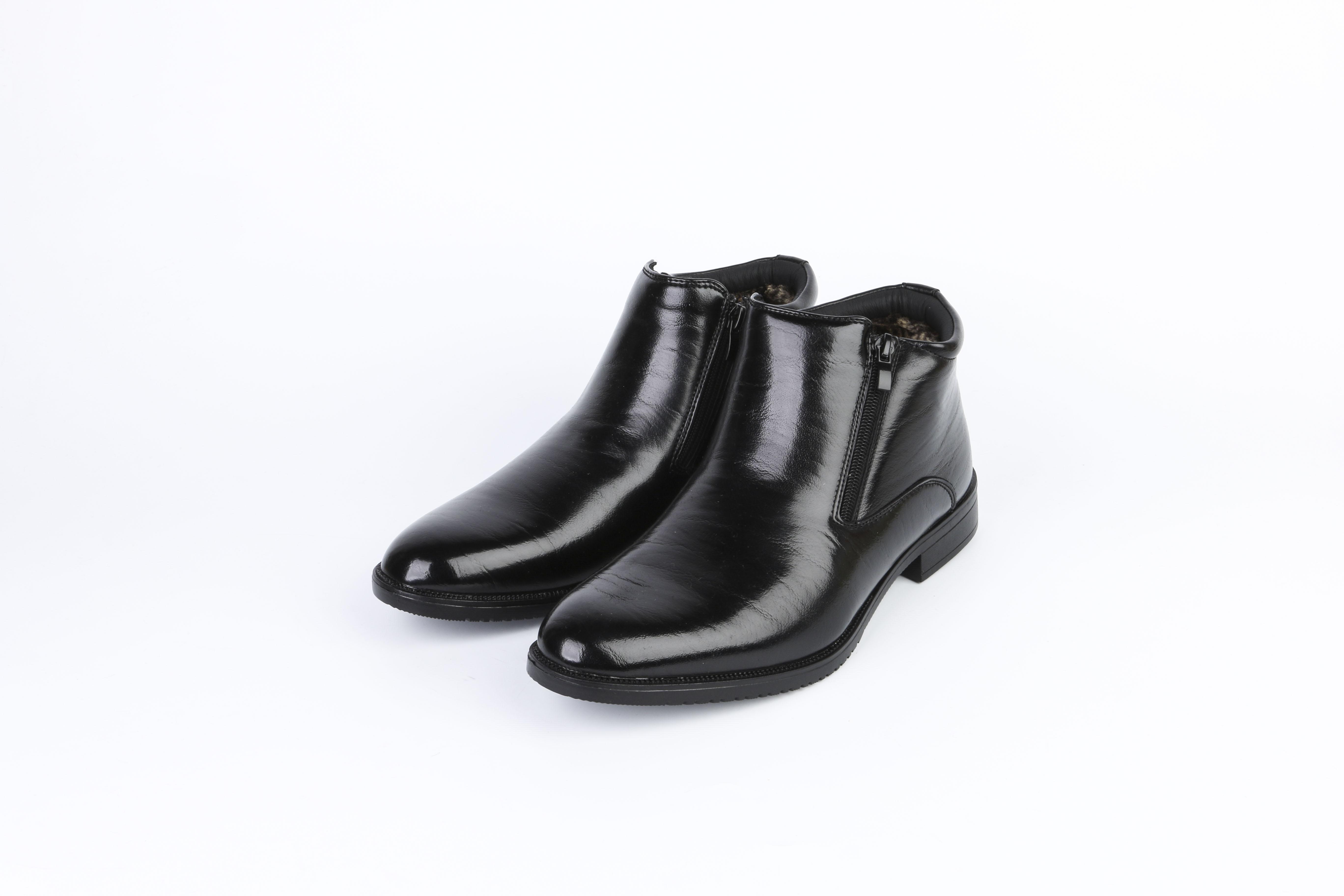 Ботинки мужские на каблуке