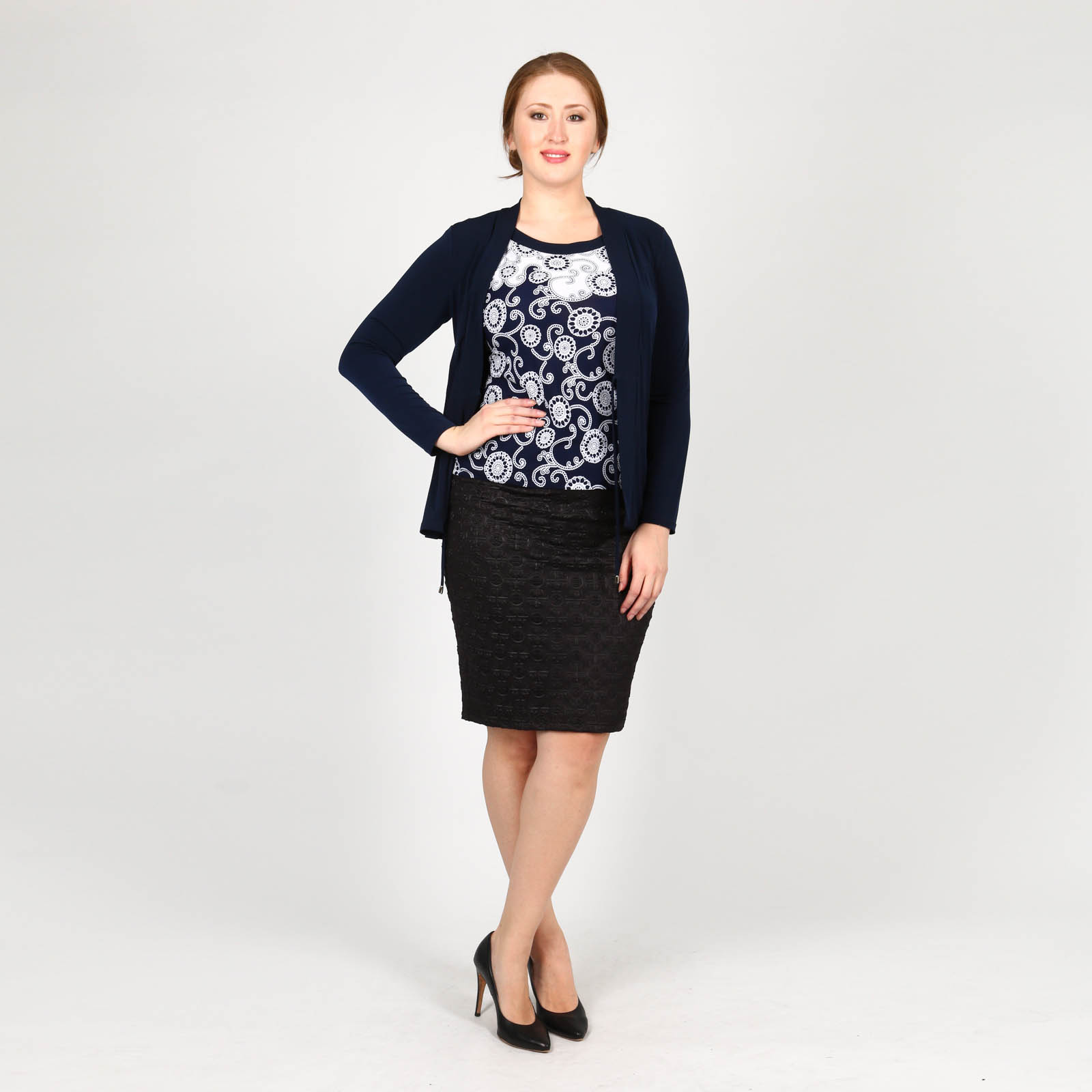 Комплект из блузы и кардигана