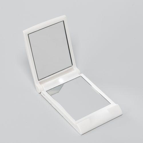 Компактное зеркало с подсветкой