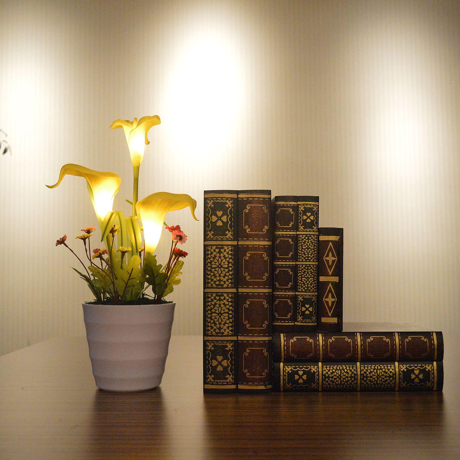 Декоративный цветок с подсветкой золотой
