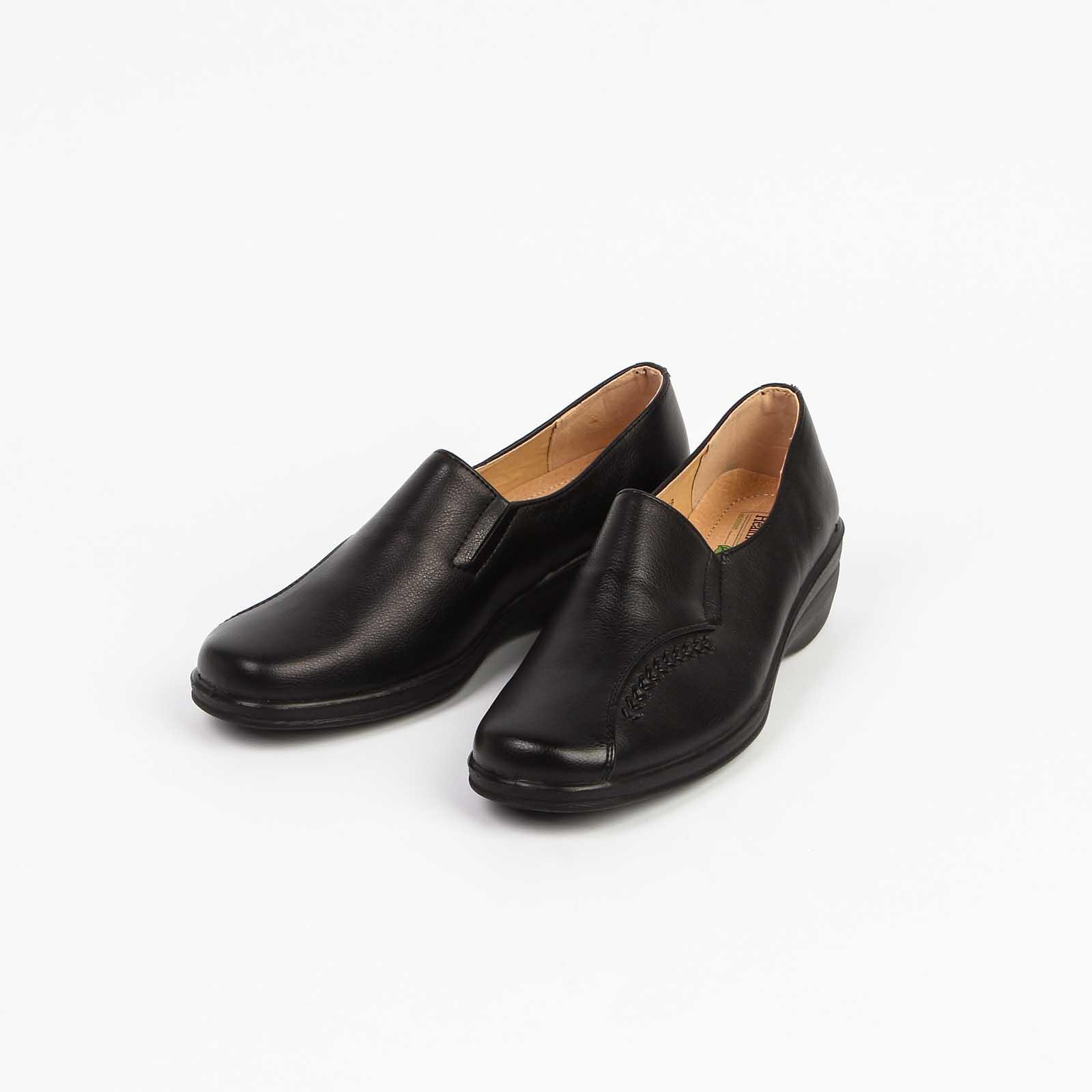 Туфли женские перфорированные с прострочкой на мысу