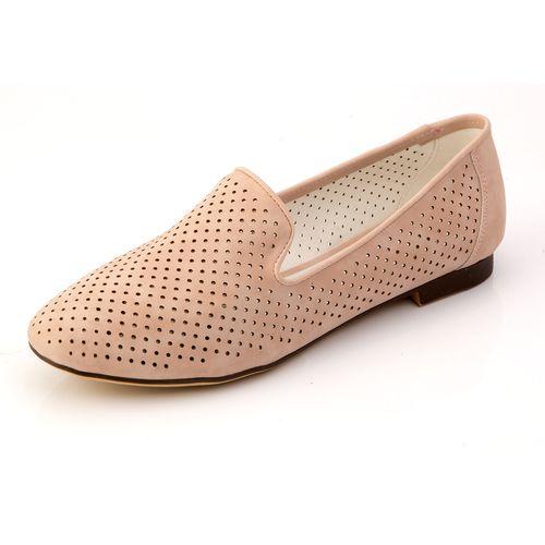 Женские туфли с перфорацией в горошек