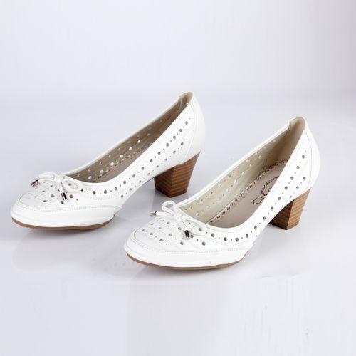 Туфли женские на устойчивом каблуке украшенные бантиком