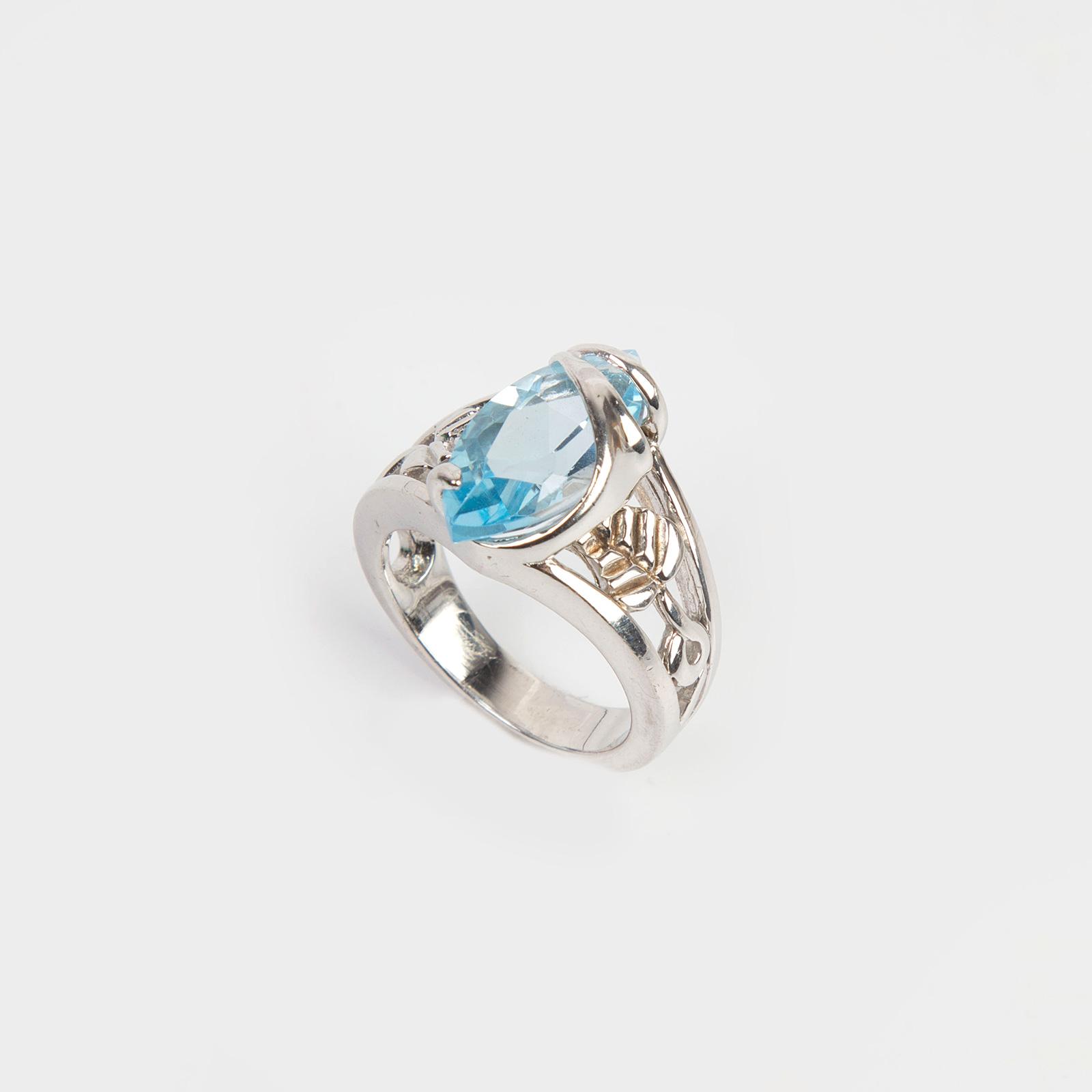 Кольцо «Голубой лепесток»