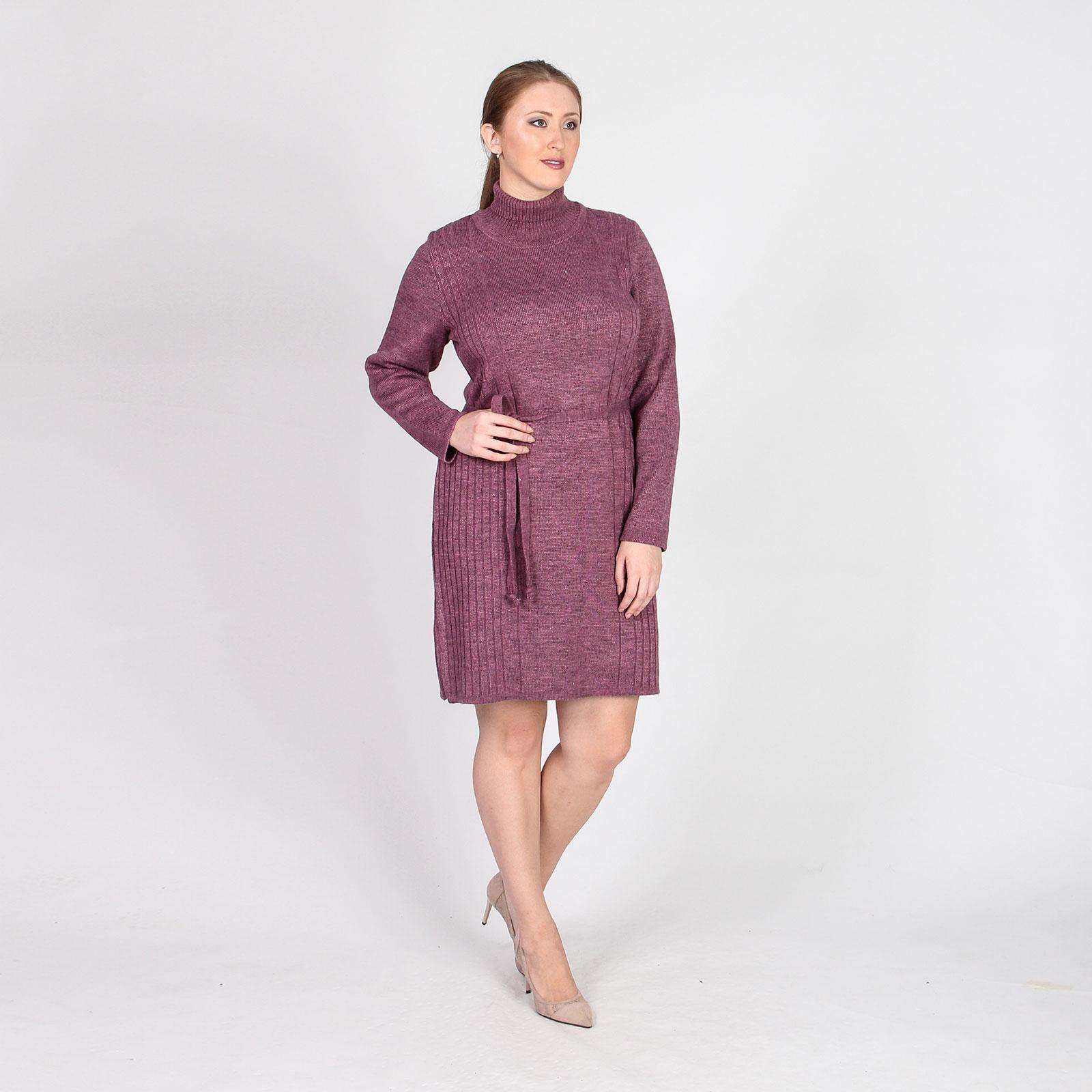 Платье трикотажное прямого кроя с поясом