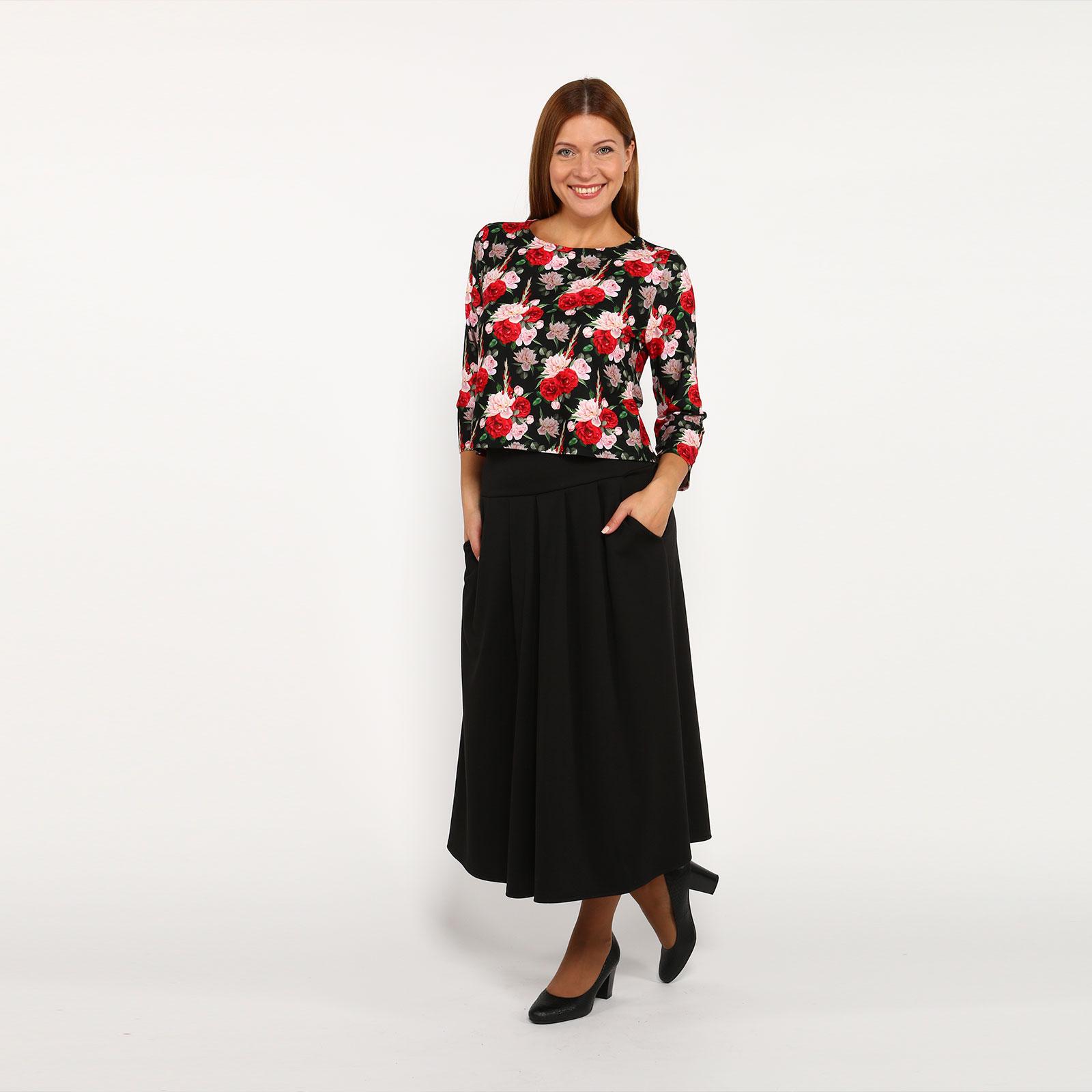 Комплект: юбка расклешенного кроя и блуза