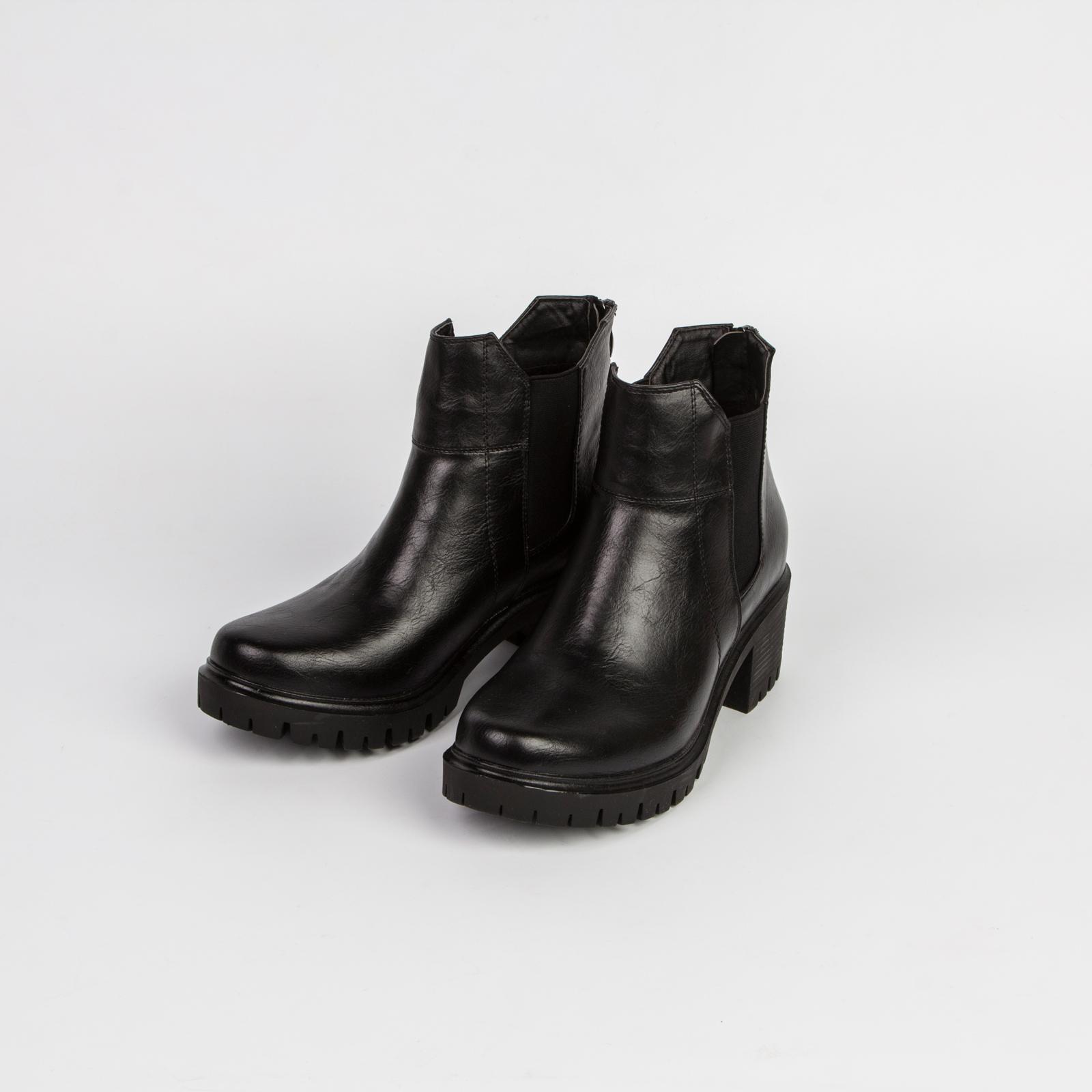 Ботинки женские на рифленой подошве в стиле «милитари»