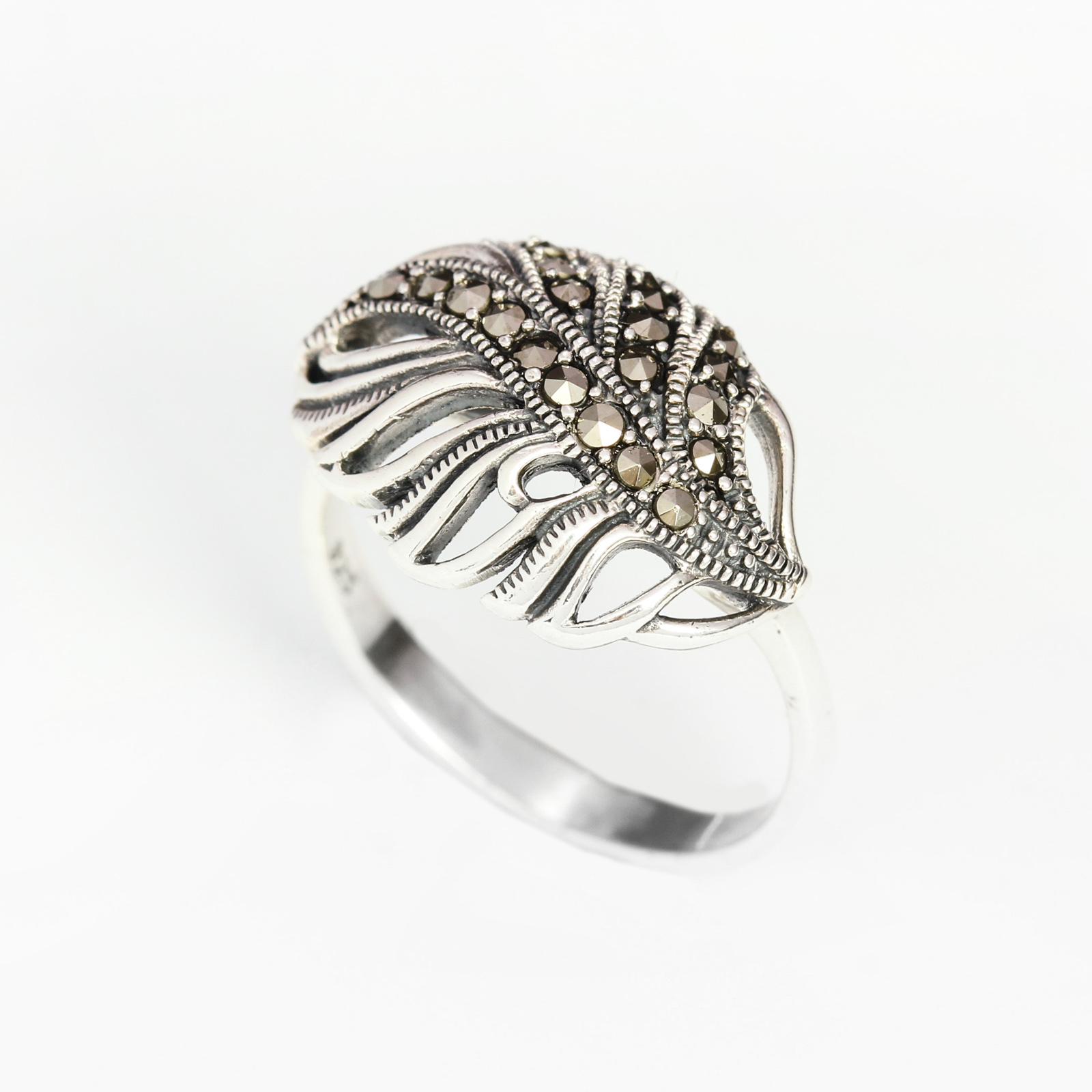 Серебряное кольцо «Опавший лист»