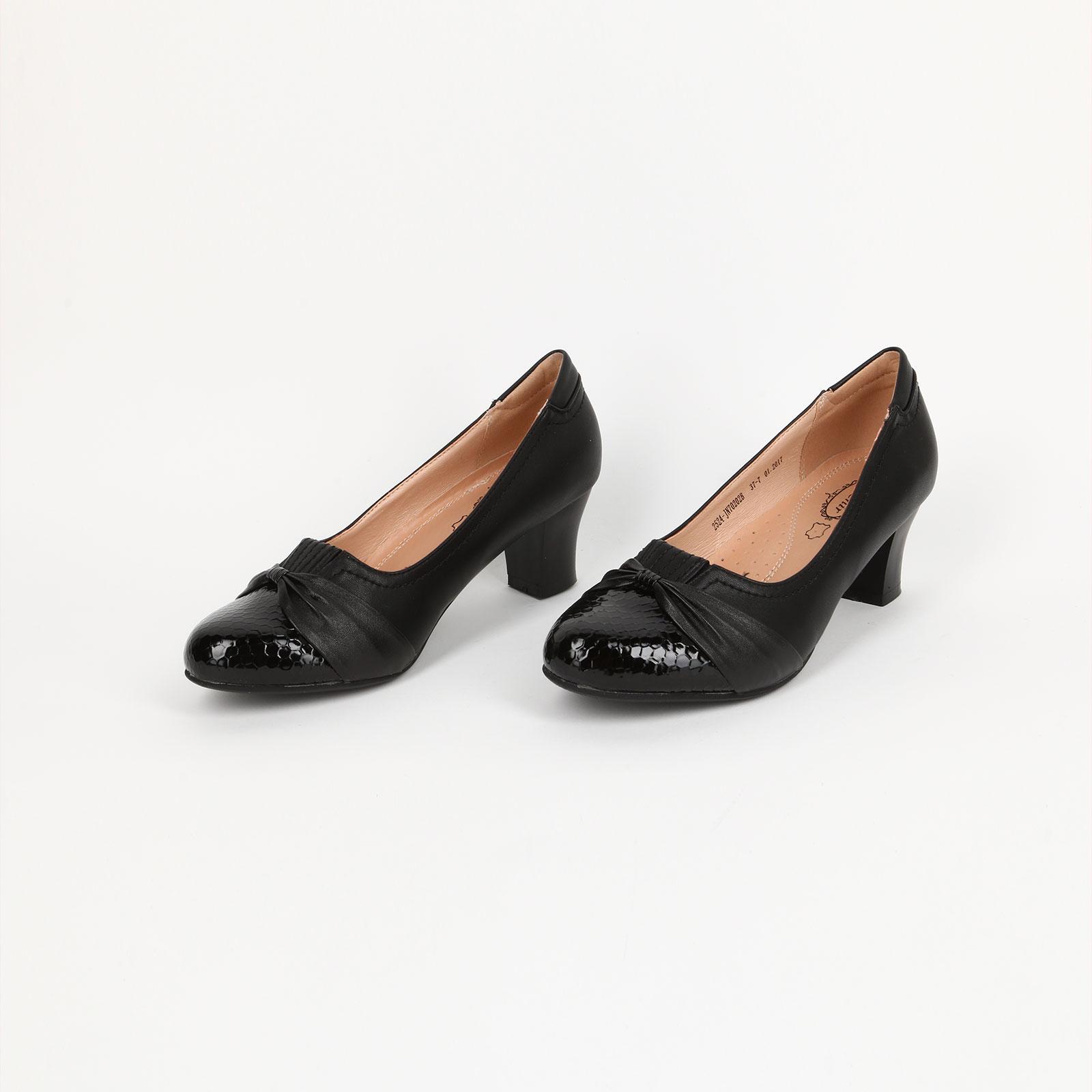 Туфли с лакированными вставками