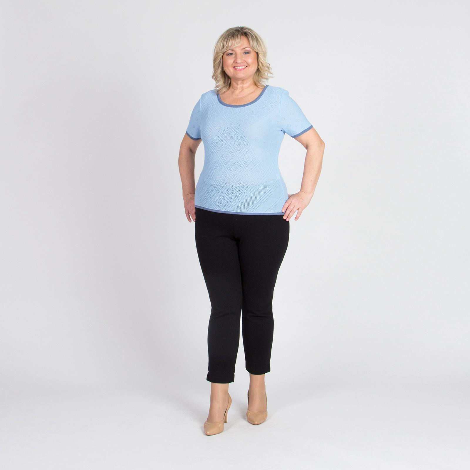 Блуза с коротким рукавом и перфорированным узором