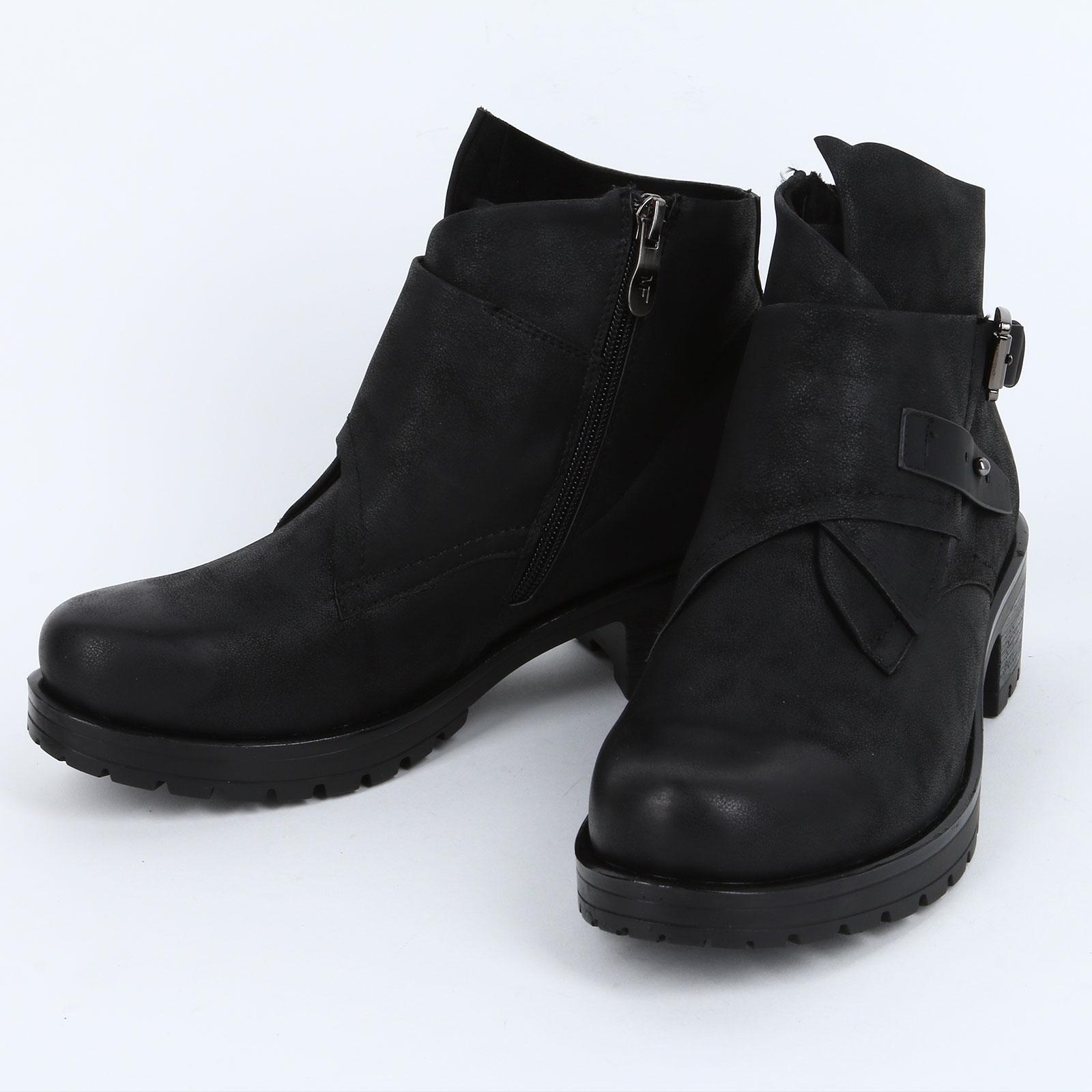 Женские ботинки на декоративных застежках