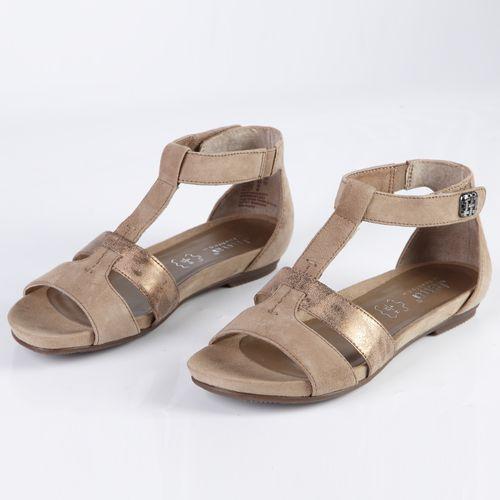 Женские сандалии из натуральной кожи на утолщенной подошве с декоративным элементом