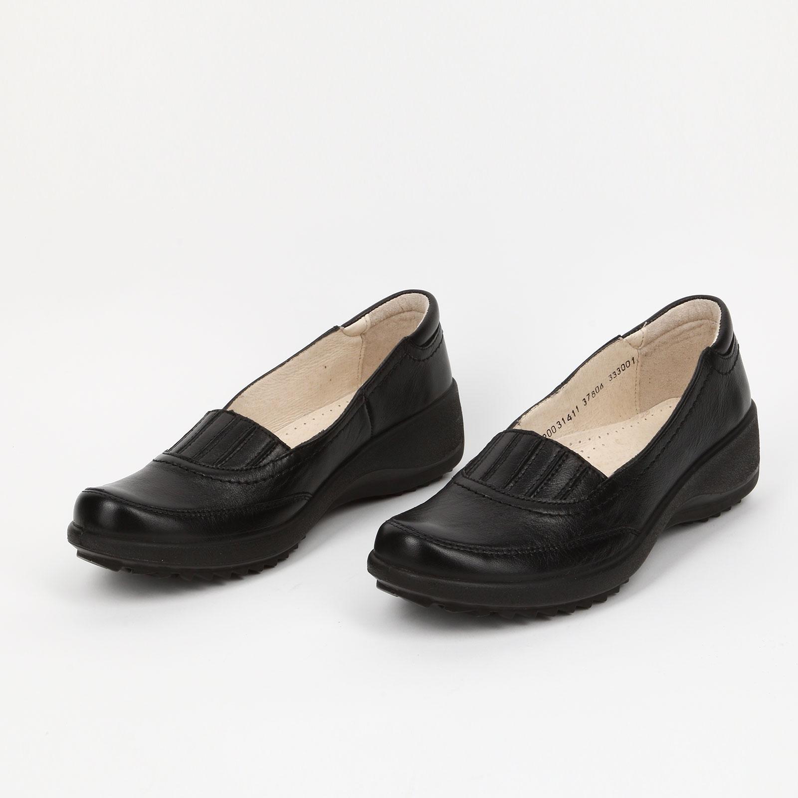Туфли с декоративной вставкой на танкетке
