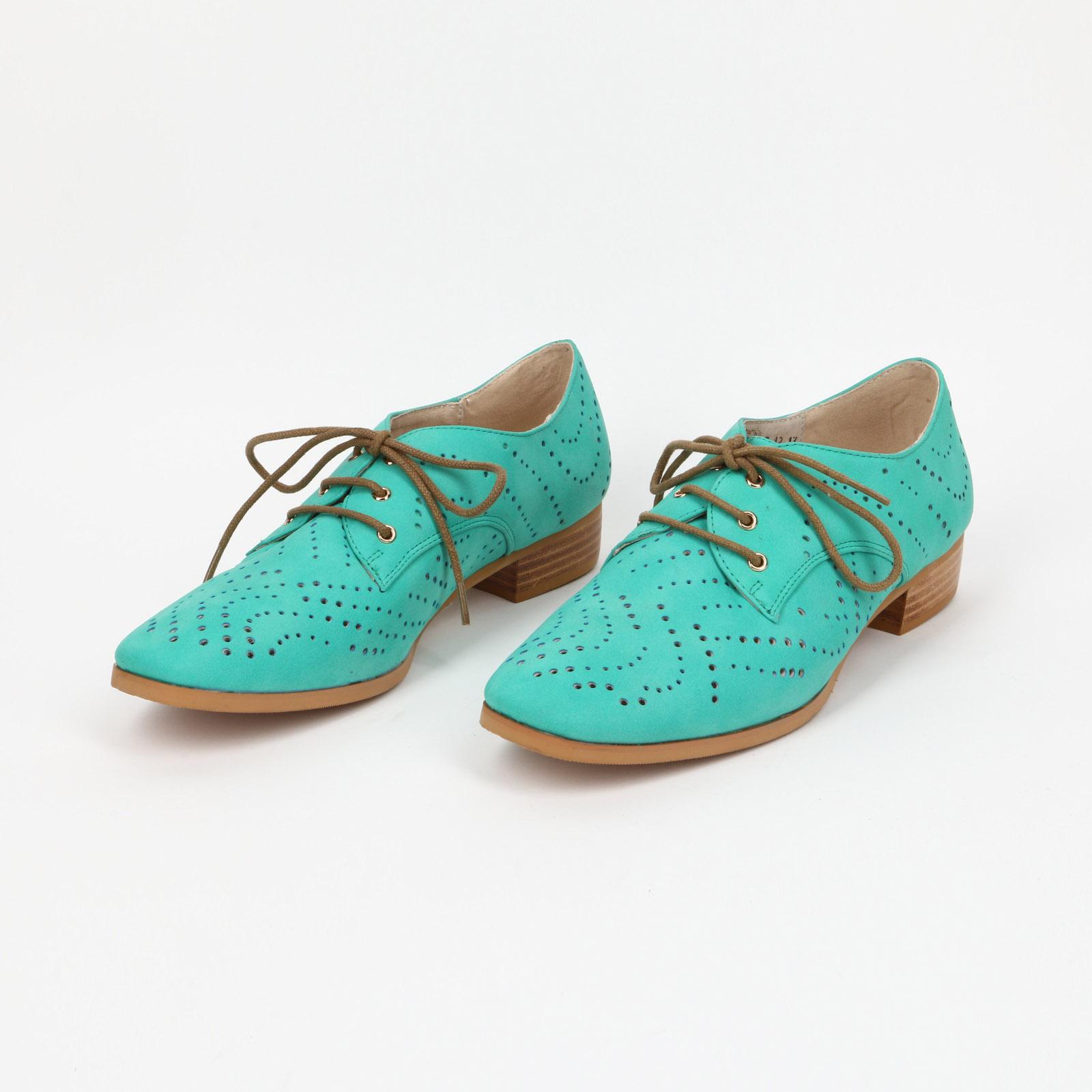 Туфли на наборном каблуке с перфорацией