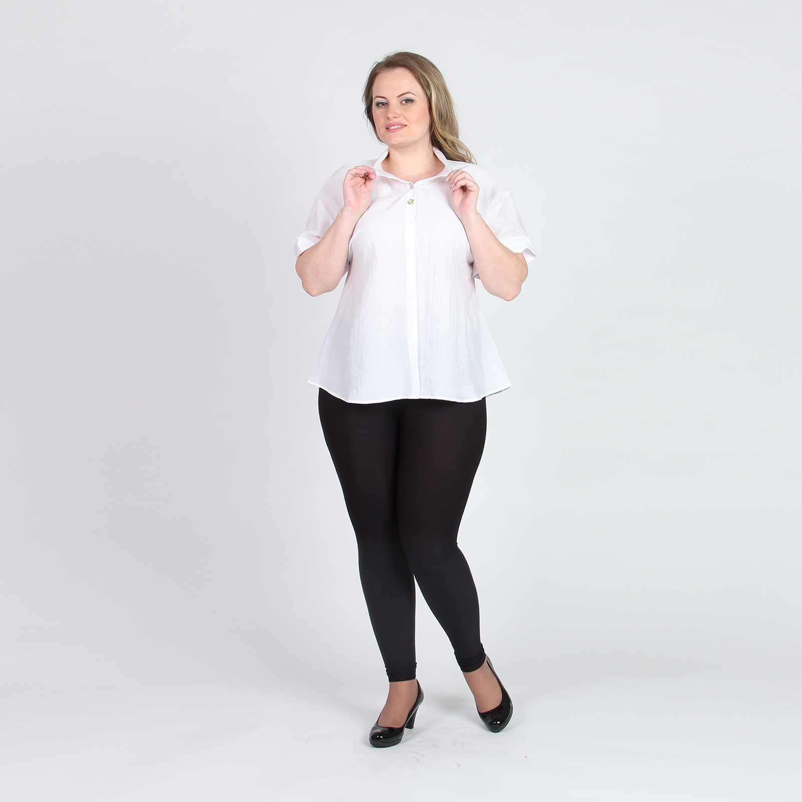 Блуза свободного кроя с отложным воротником