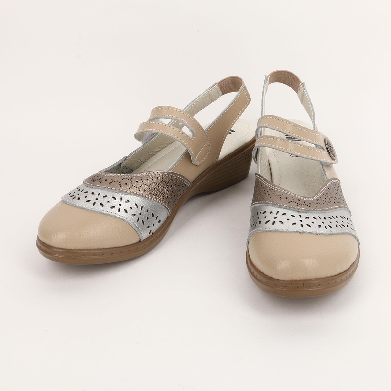 Туфли женские с перфорацией на ремешке