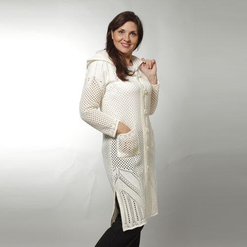 Пальто женское ажурное с капюшоном