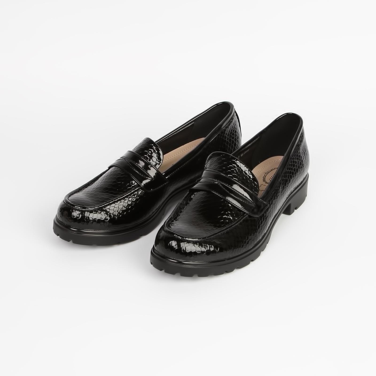 Туфли женские лакированные под «рептилию» с застежкой