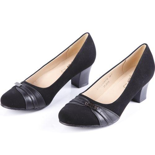 Туфли женские на устойчивом каблуке  украшенные фурнитурой