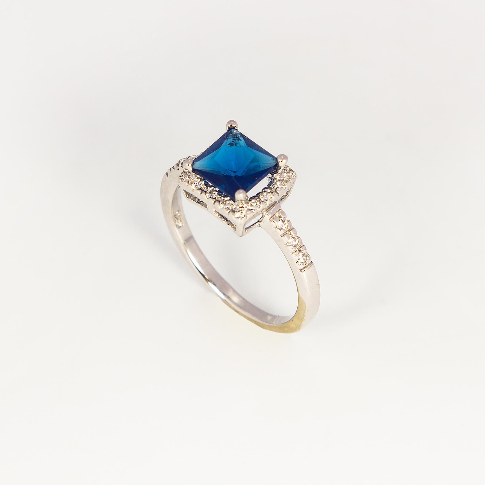 Серебряное кольцо «Бриджит»