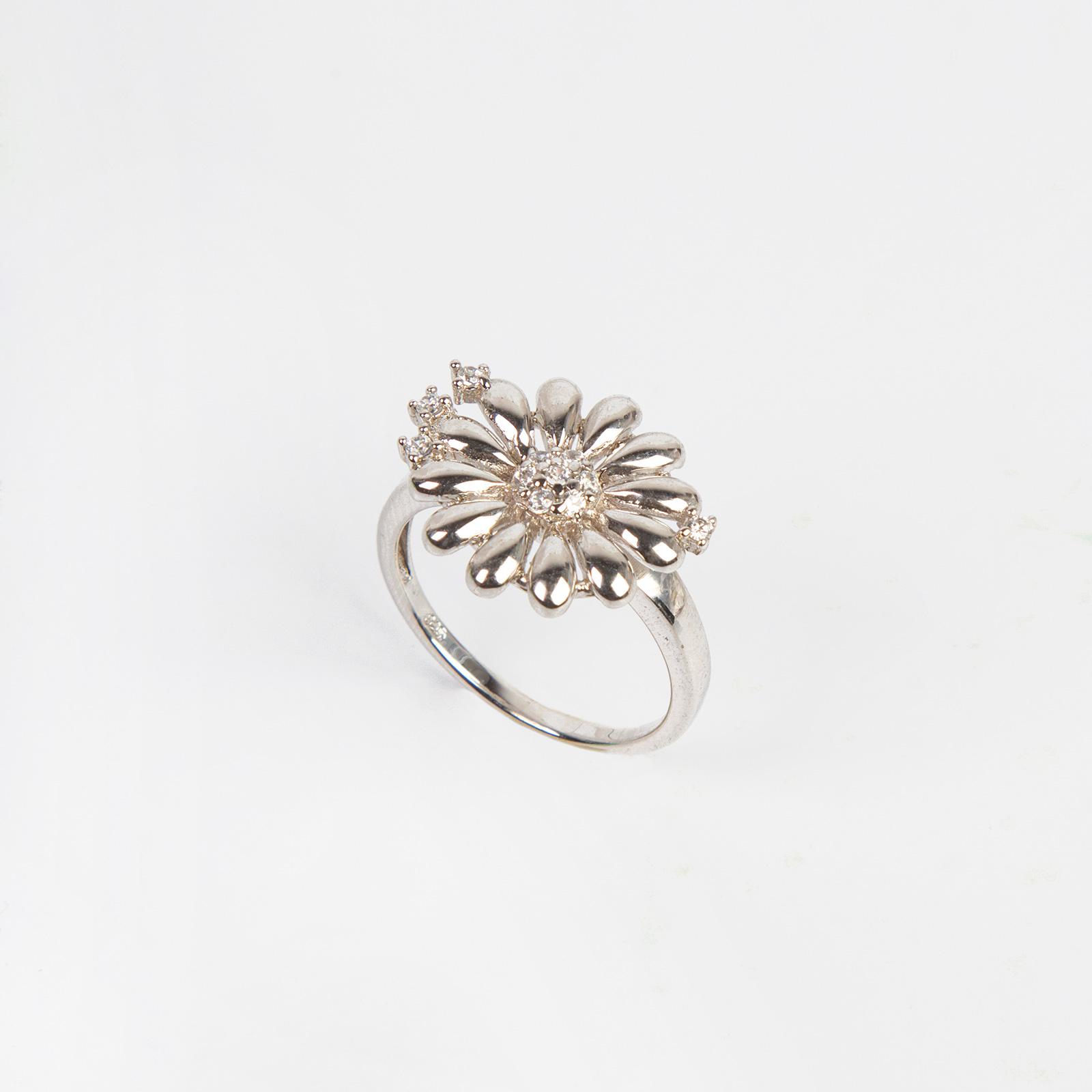 Кольцо «Девичий цветок»