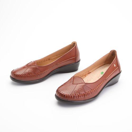 Туфли женские украшенные крупной прострочкой на мысу