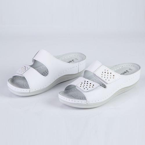 Женские сандалии из натуральной кожи украшенные ремешками