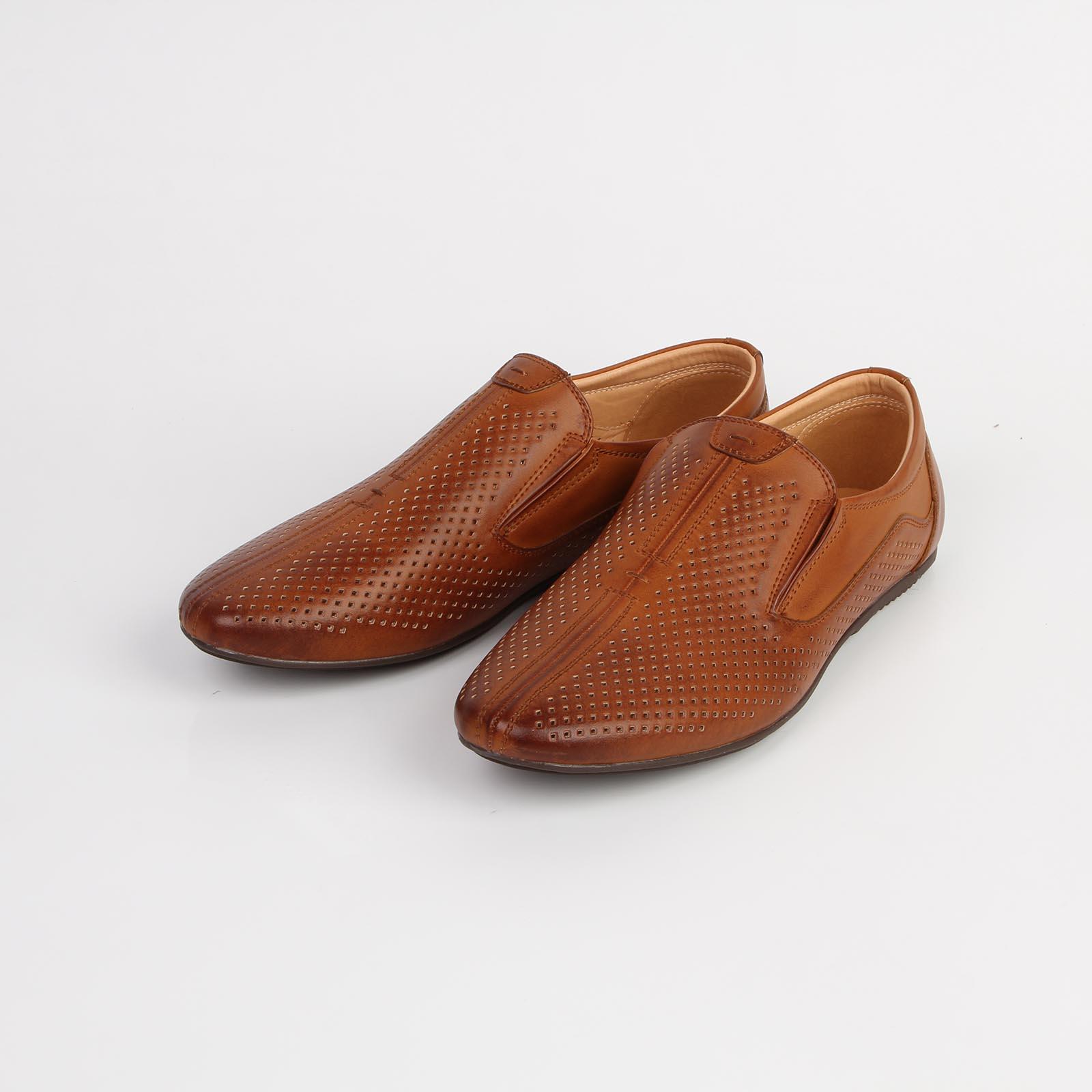 Туфли мужские перфорированные на плоской подошве