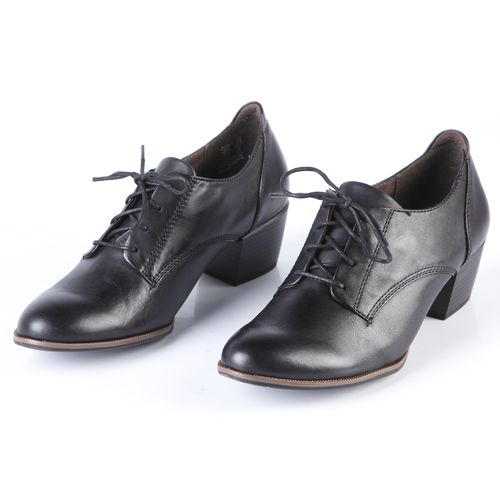Ботинки женские на устойчивом каблуке и шнурках