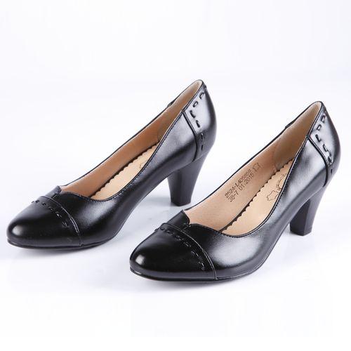 Туфли женские на элегантном каблуке с закругленным мысом