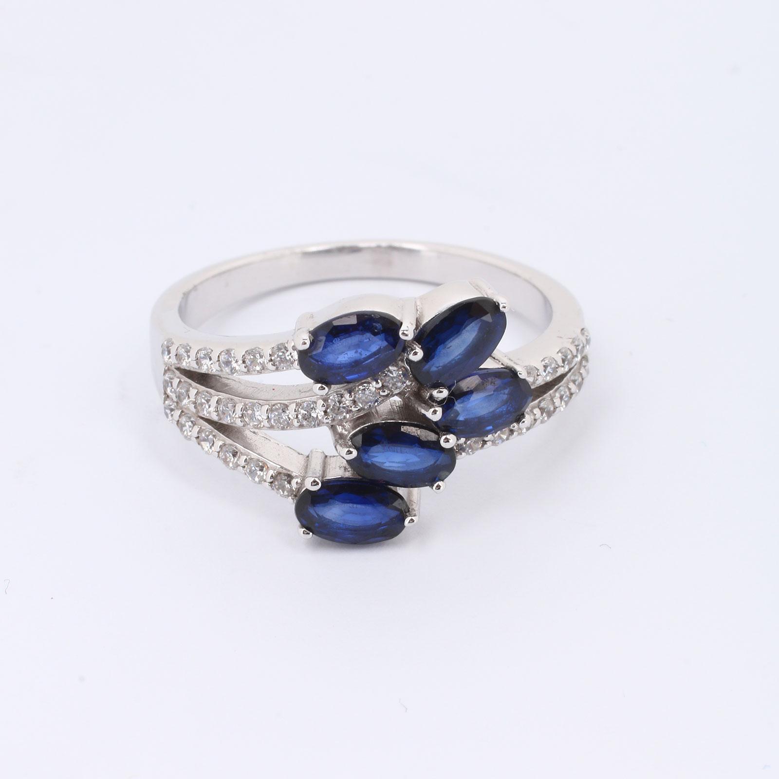 Серебряное кольцо «Беатрис»