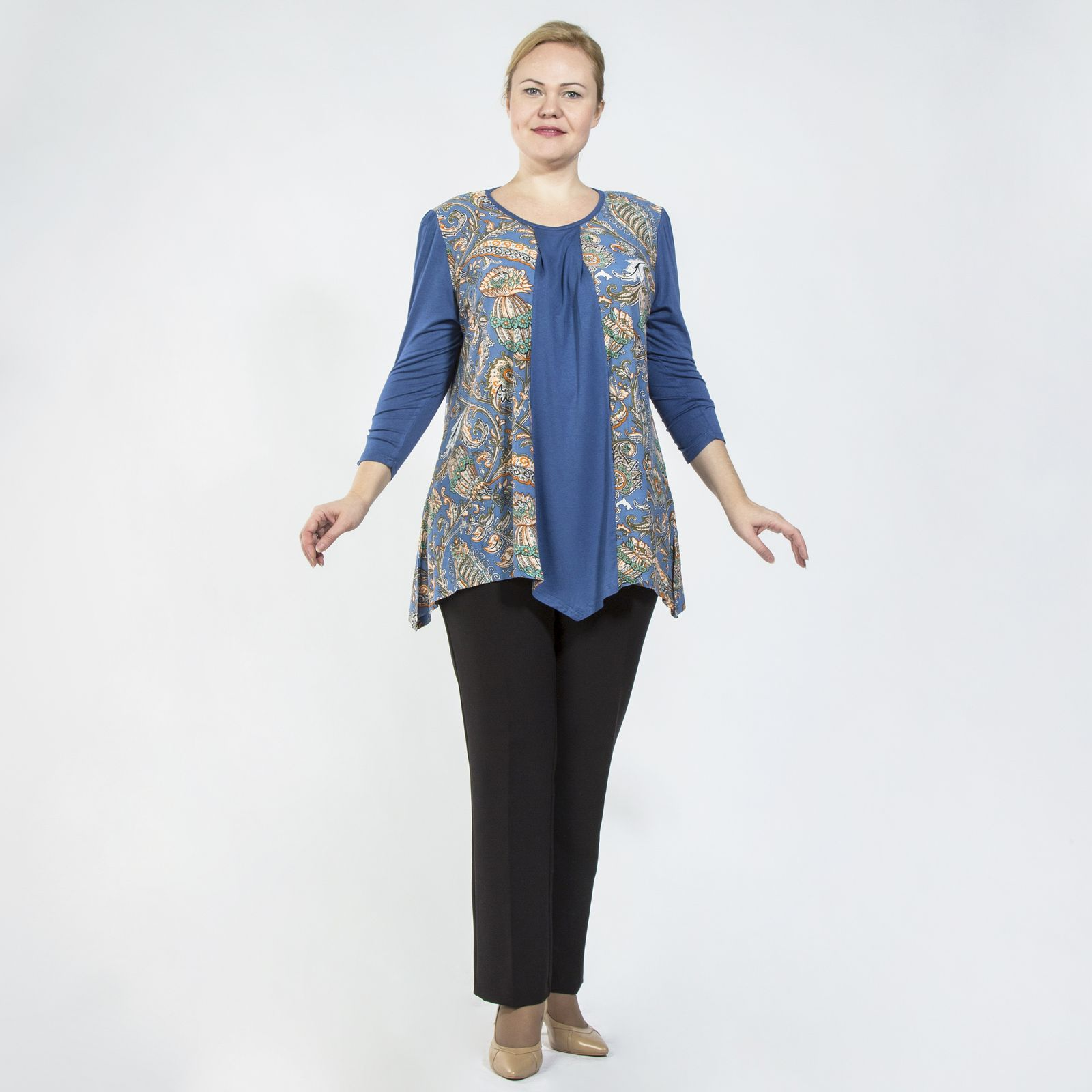 Блуза свободного кроя со сборками на рукавах