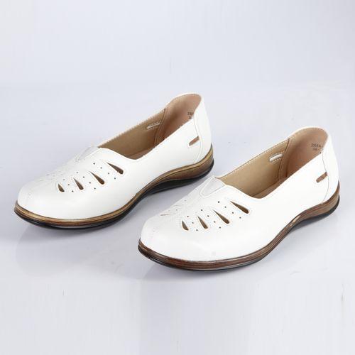Туфли женские украшенные перфорацией «капля»