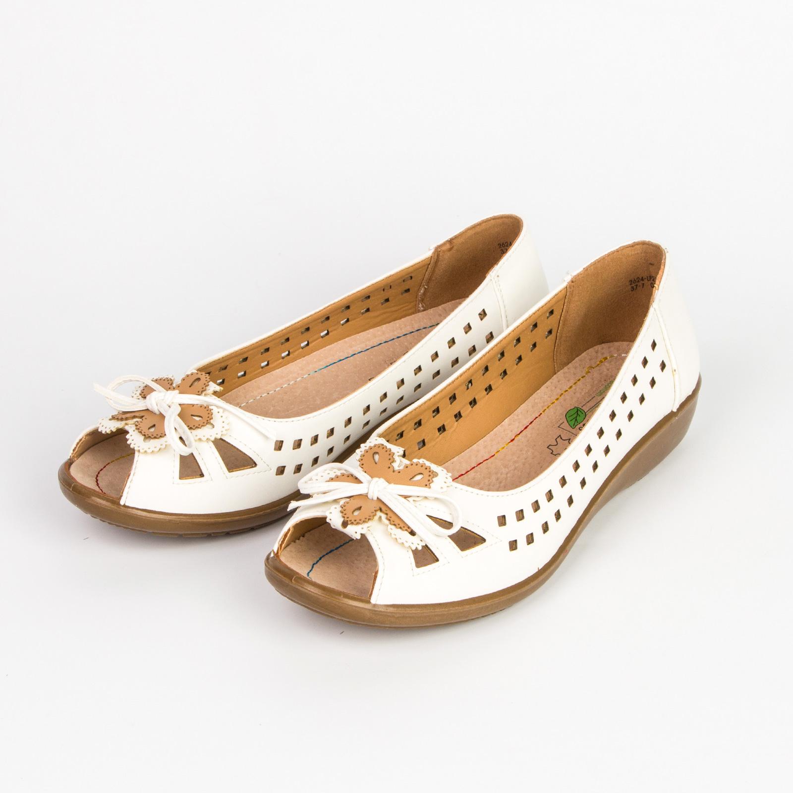 Туфли женские с открытым мысом украшенные цветком