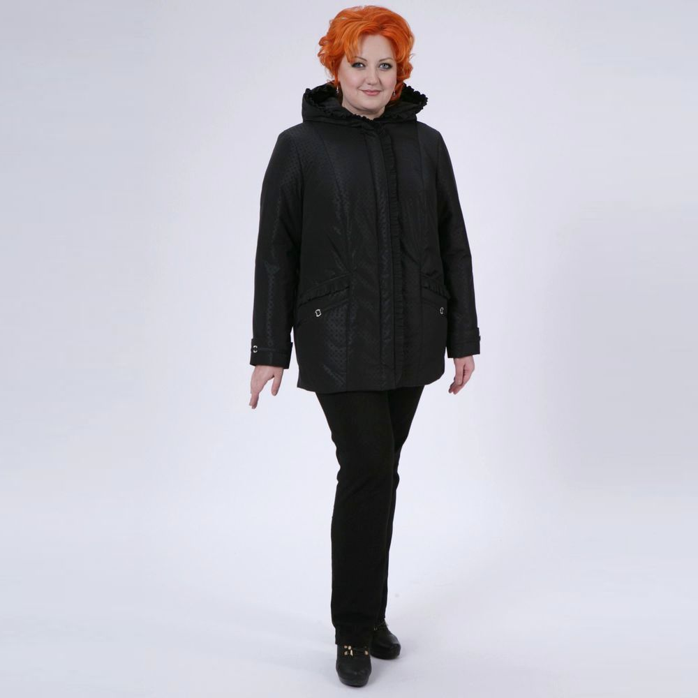 Куртка прямого кроя с карманами и капюшоном
