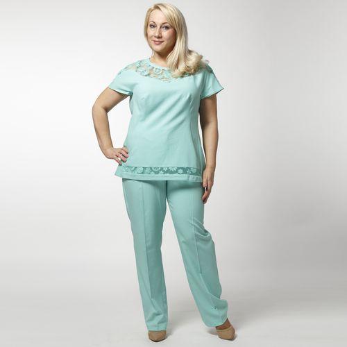 Комплект: блуза с кружевной кокеткой и брюки