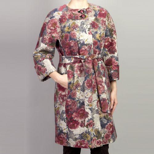 Велюровое пальто с цветочным принтом