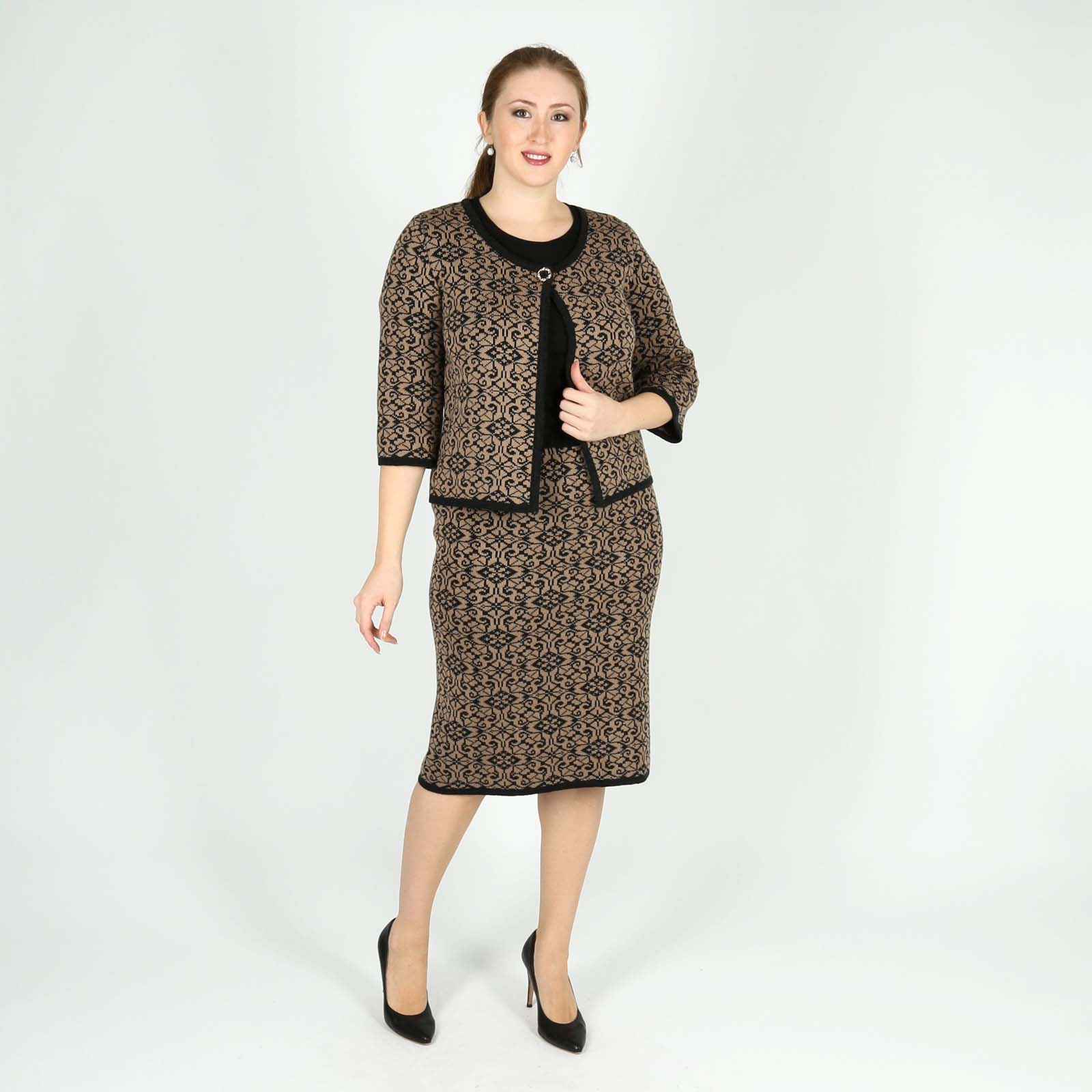 Комплект: жакет и юбка с узором