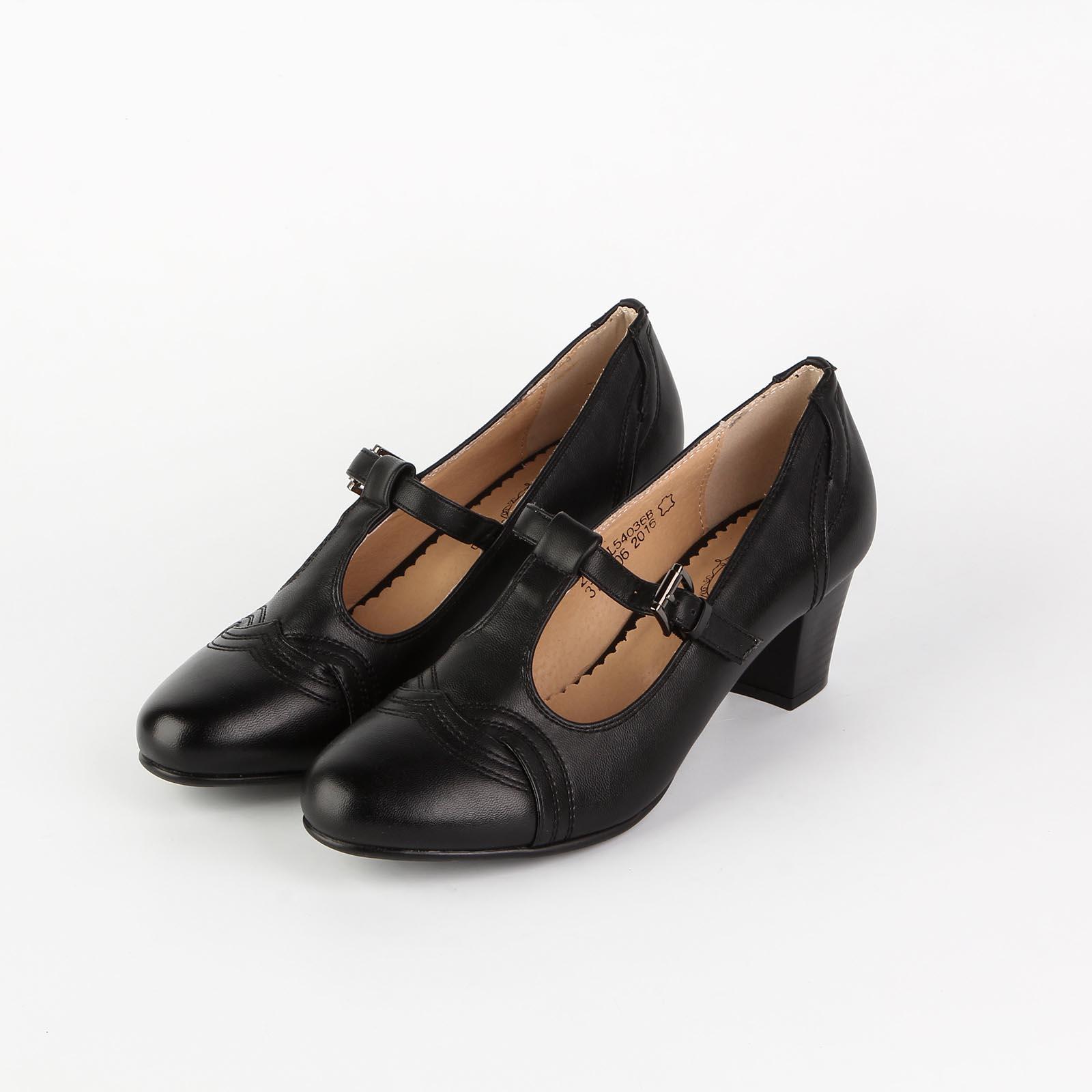 Туфли женские на ремешке с пряжкой и декоративной строчкой на мысу
