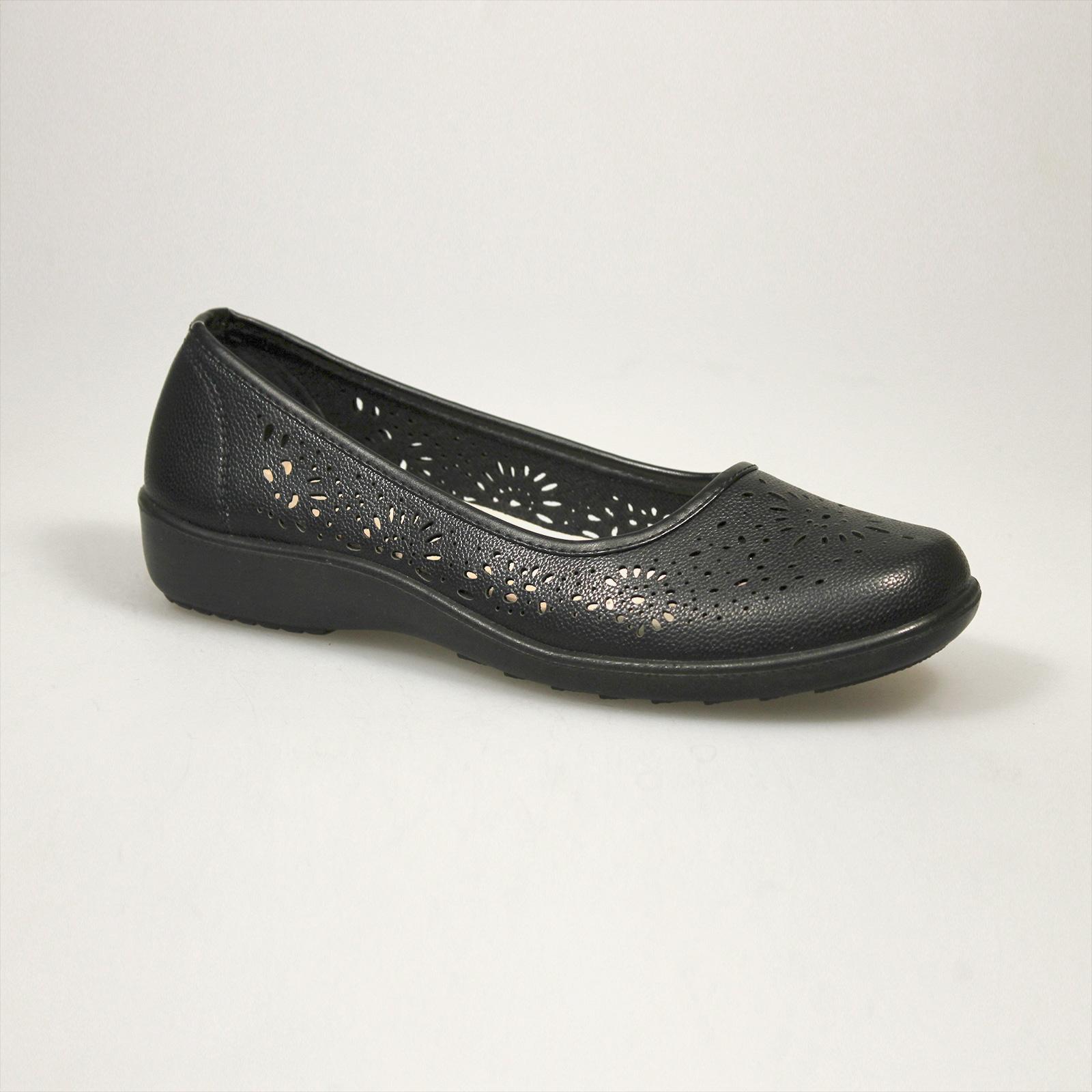 Туфли женские летние декорированные узорной перфорацией