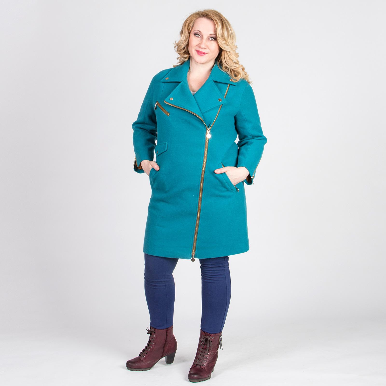 Пальто модного кроя на молнии с отложным воротником